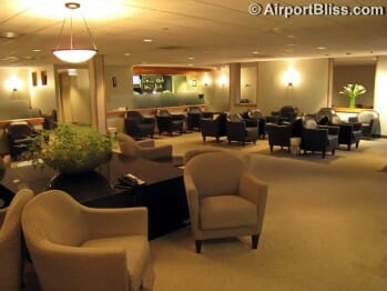 United Club - Washington Dulles (IAD) by gate D8