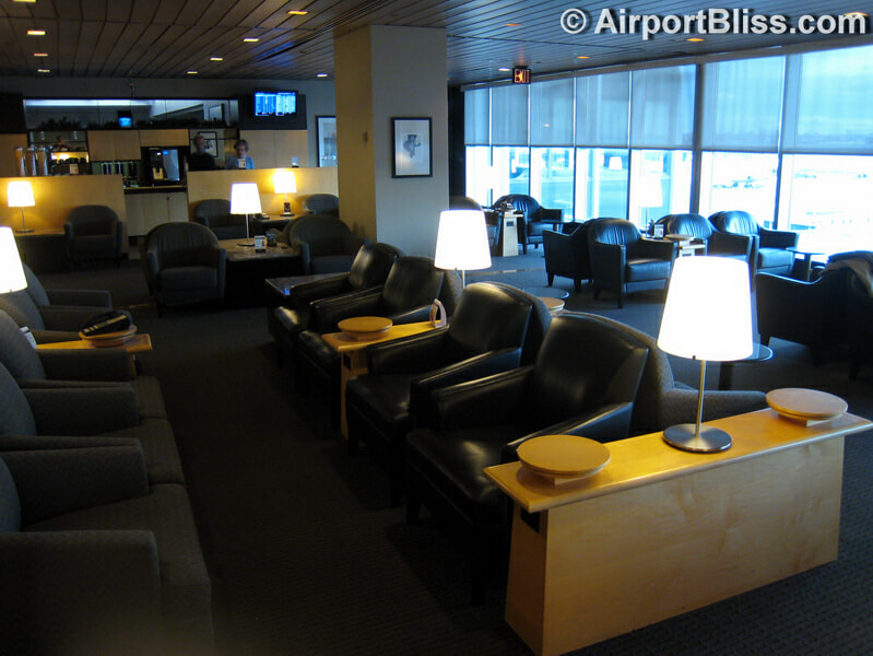 The current pre-security United Club at LaGuardia