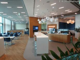 lufthansa business lounge fra z50 non schengen 0947