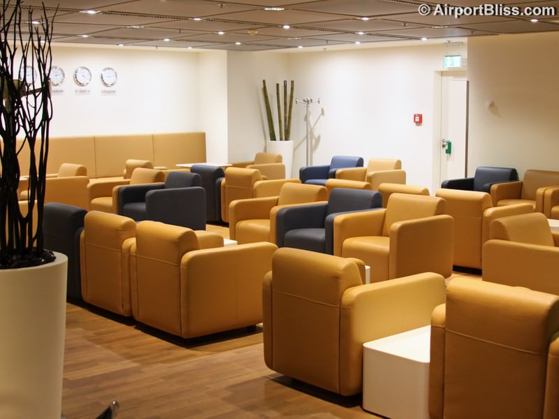 lufthansa welcome lounge fra 8343