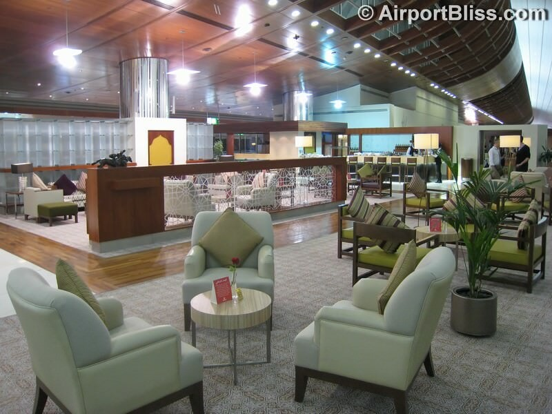 DXB emirates first class lounge dxb t3b 6608