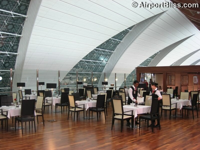 DXB emirates first class lounge dxb t3b 6637