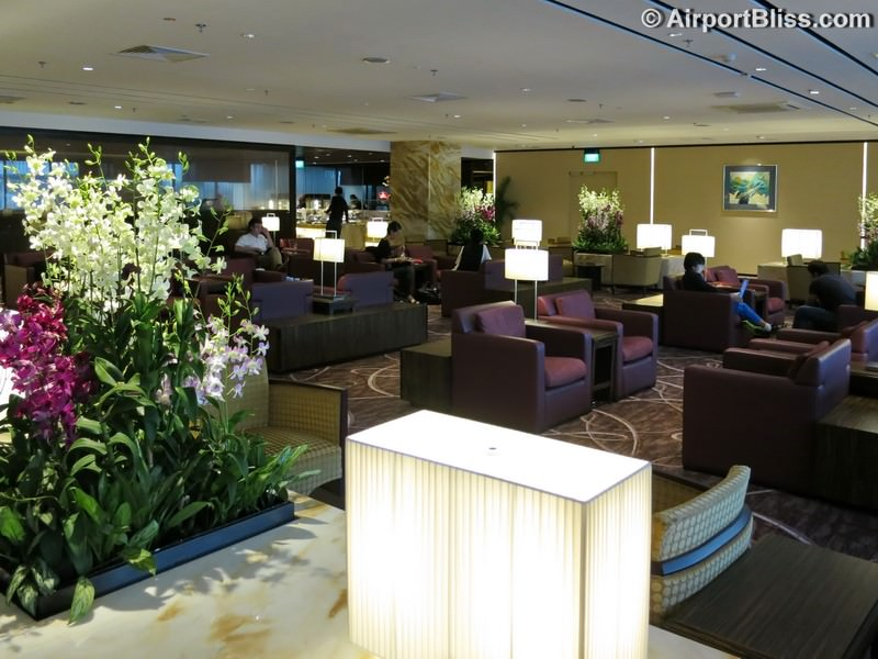SIN singapore airlines first class lounge sin t2 3685
