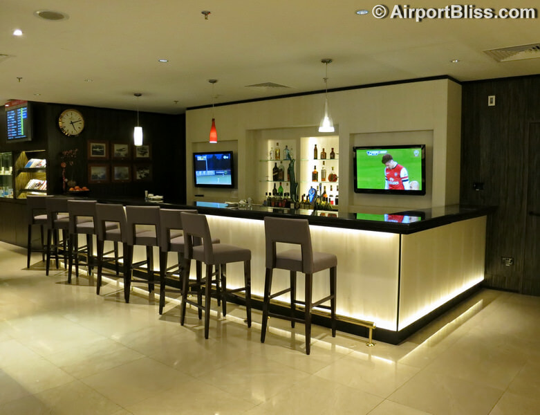 SIN singapore airlines first class lounge sin t2 3692