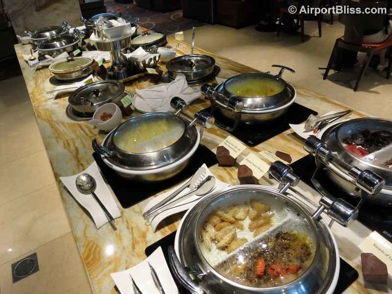 SIN singapore airlines first class lounge sin t2 3706