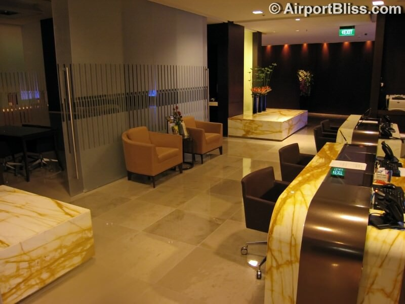 SIN singapore airlines silverkris lounge sin t3 8916