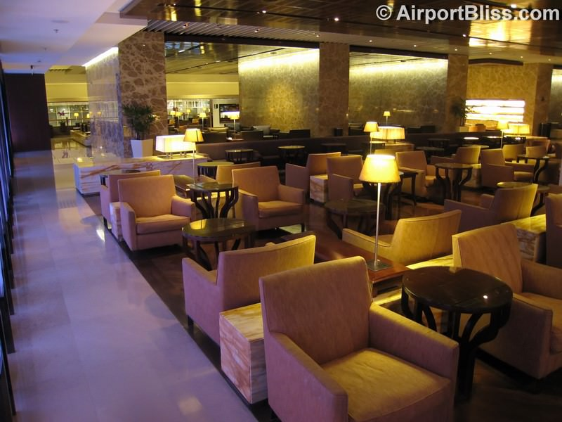 SIN singapore airlines silverkris lounge sin t3 8934