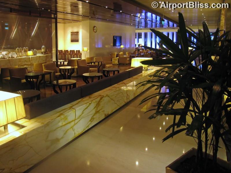 SIN singapore airlines silverkris lounge sin t3 8958