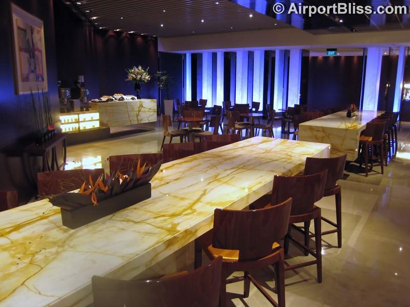 SIN singapore airlines silverkris lounge sin t3 8987