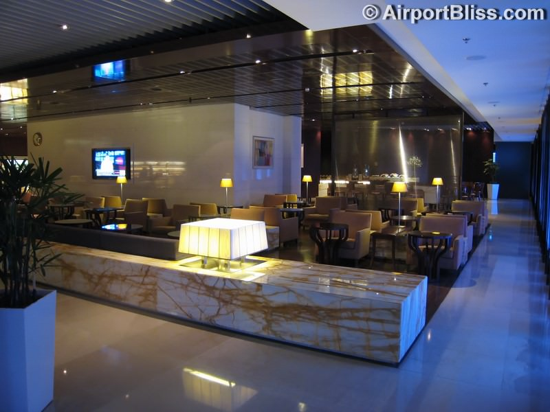SIN singapore airlines silverkris lounge sin t3 9016