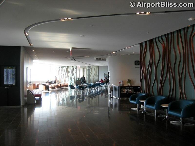 YYZ air canada maple leaf lounge yyz transborder 6183
