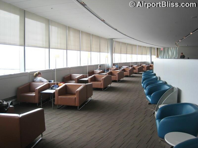 YYZ air canada maple leaf lounge yyz transborder 6272