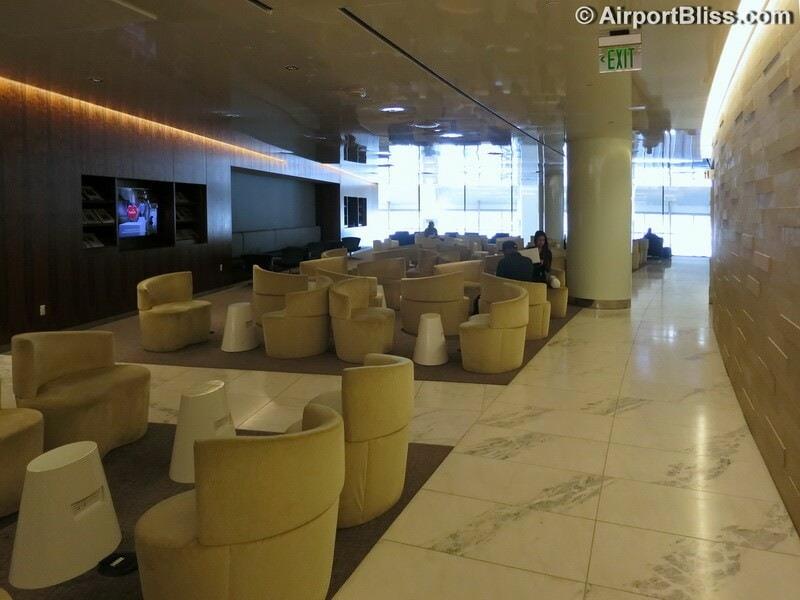 LAX korean air kal business class lounge lax 7012