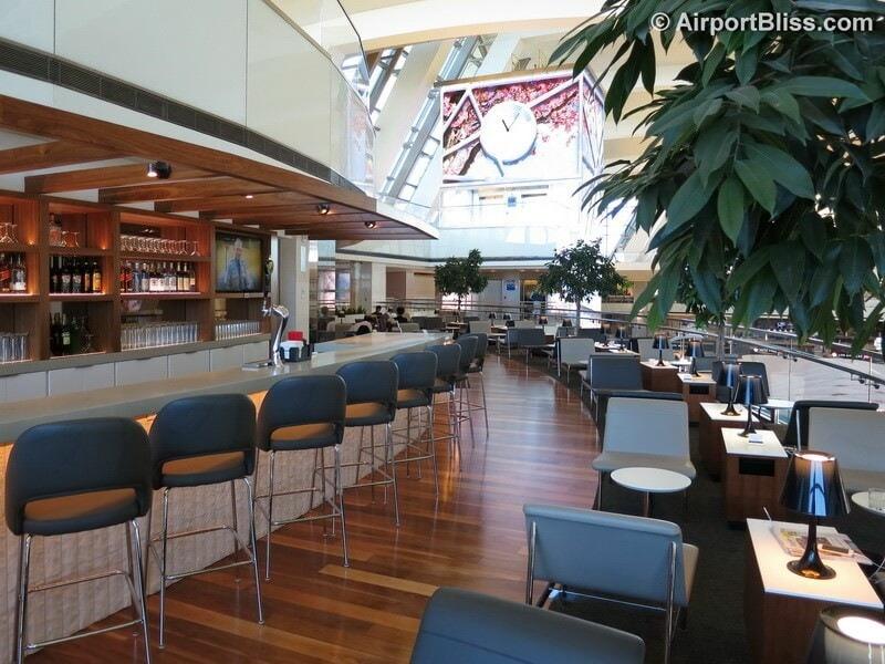 LAX star alliance business class lounge lax 7116