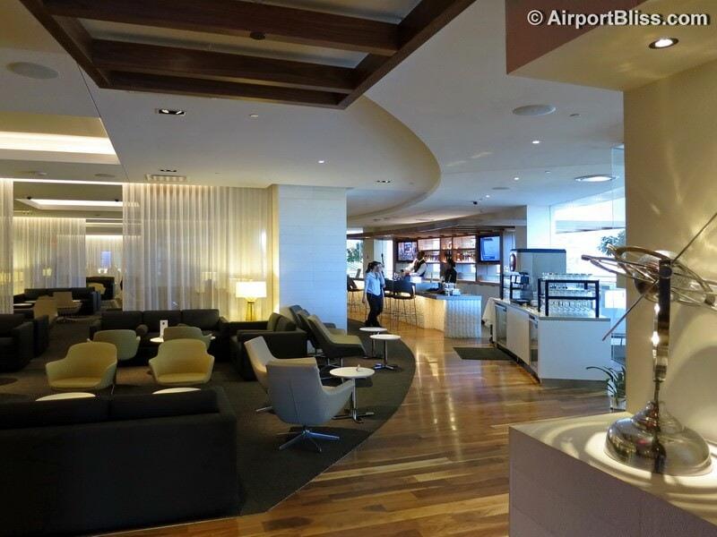LAX star alliance business class lounge lax 7172