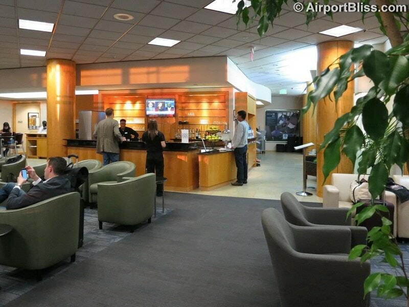 LAX united club lax t7 gate 73 6495