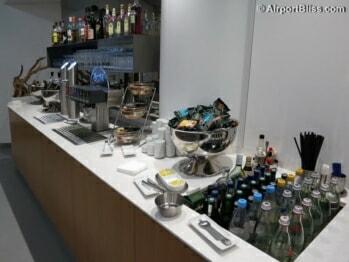 Lufthansa Senator Lounge - Frankfurt (FRA) by gate A50 (Schengen)