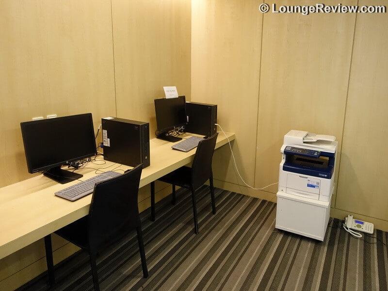 ICN matina lounge icn gate 43 00565