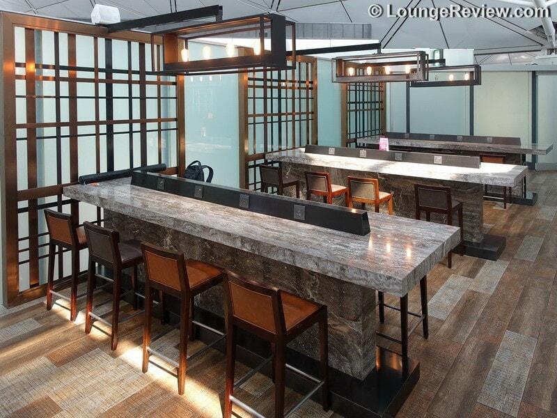 HKG plaza premium lounge west hall hkg gate 40 01760
