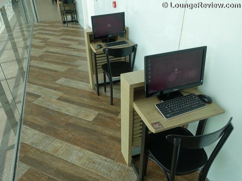 HKG plaza premium lounge west hall hkg gate 40 01770