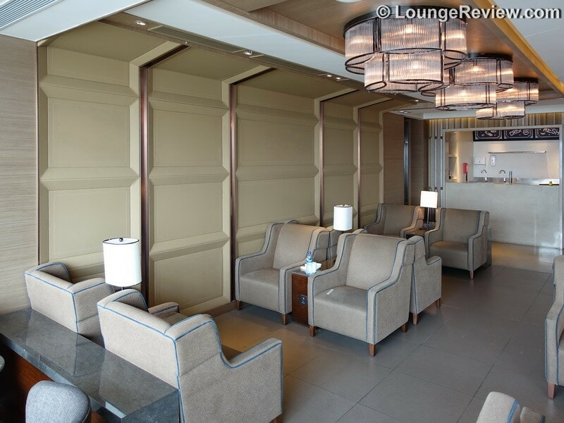 HKG plaza premium lounge west hall hkg gate 40 01772