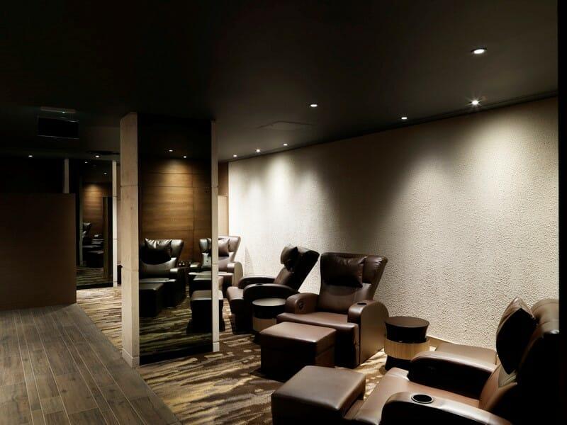 Plaza Premium Lounge London Heathrow Terminal 4 recliners