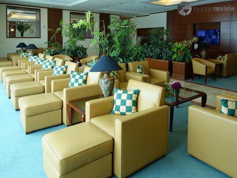 SFO the emirates lounge sfo 01908