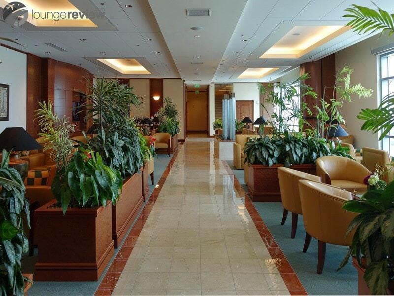 SFO the emirates lounge sfo 01915