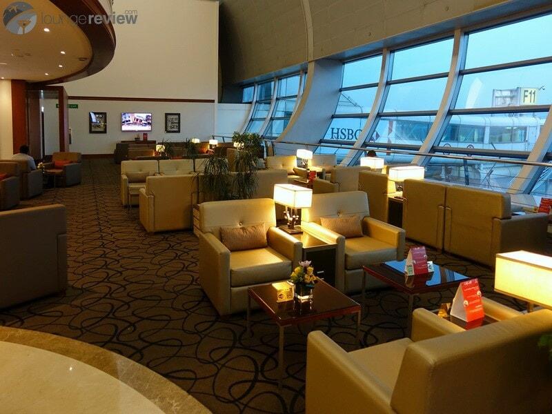DXB emirates first class lounge dxb t1c 02765