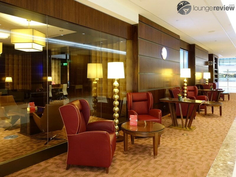 DXB emirates first class lounge dxb t3a 04710