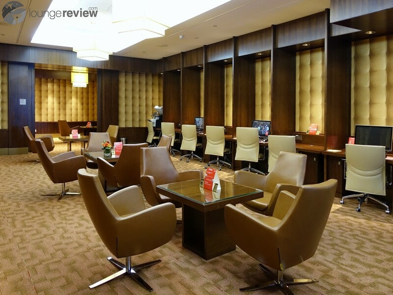 DXB emirates first class lounge dxb t3a 04712