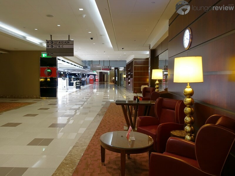 DXB emirates first class lounge dxb t3a 04713
