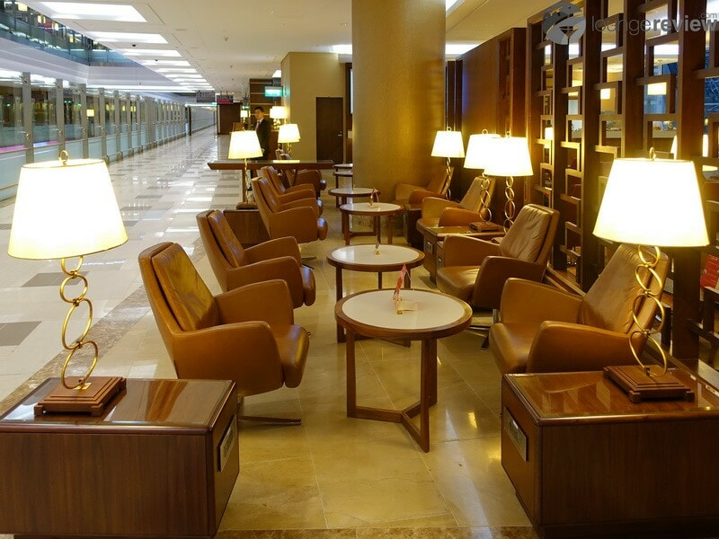 DXB emirates first class lounge dxb t3a 04715