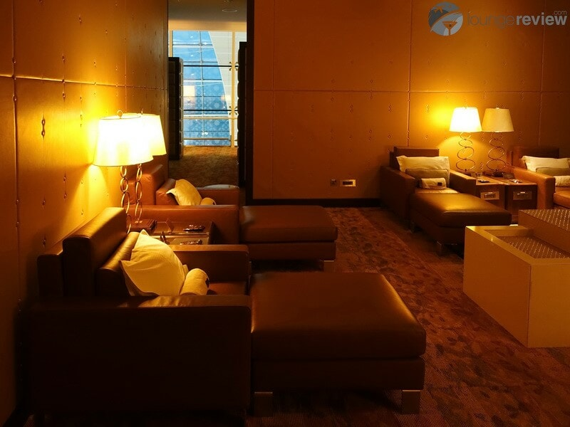 DXB emirates first class lounge dxb t3a 04755