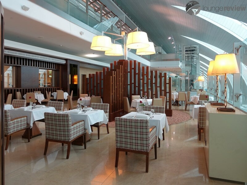 DXB emirates first class lounge dxb t3a 04812