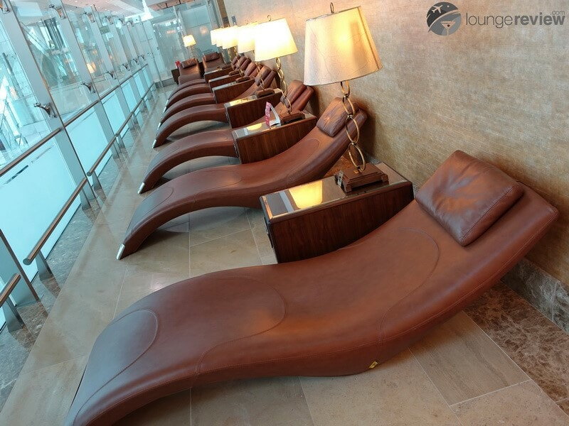 DXB emirates first class lounge dxb t3a 04815