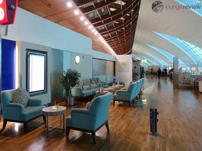 DXB emirates first class lounge dxb t3b 02819
