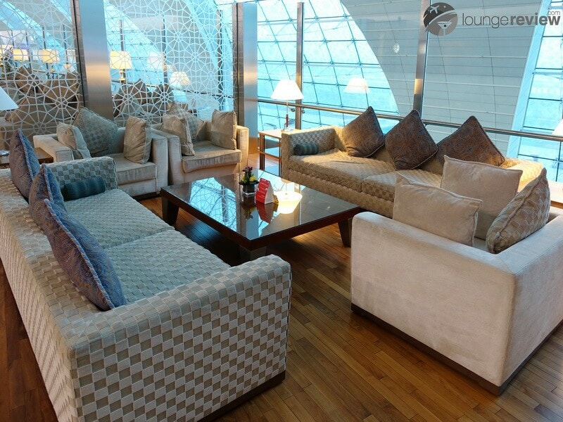 DXB emirates first class lounge dxb t3b 02822