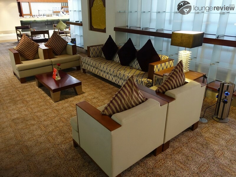 DXB emirates first class lounge dxb t3b 02838