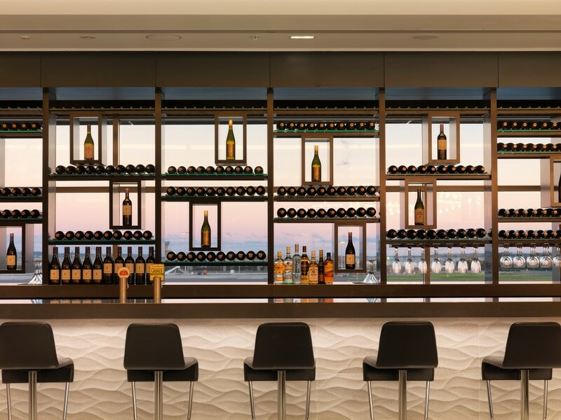 The bar overlooking the run way at the new Air New Zealand Lounge - Sydney (SYD)
