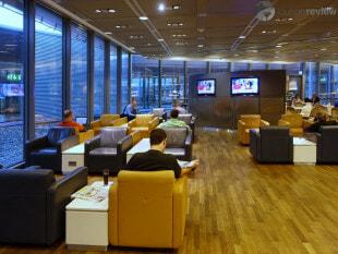 FRA lufthansa business lounge fra b24 non schengen 09384