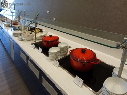 Delta's complimentary food selection remains the standard. | Delta Sky Club - San Francisco, CA (LAX)