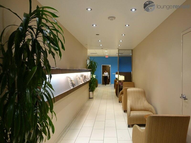 IAH klm crown lounge iah 00137