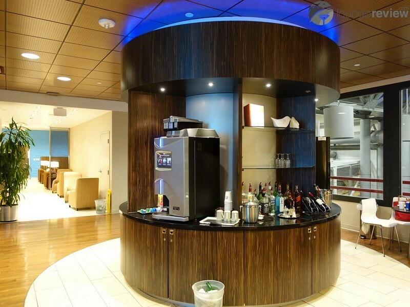 IAH klm crown lounge iah 00157