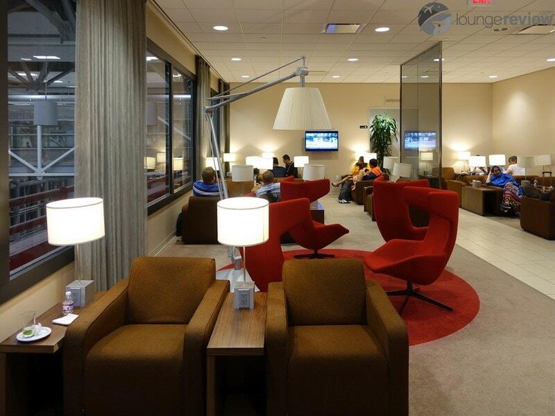 IAH klm crown lounge iah 00168