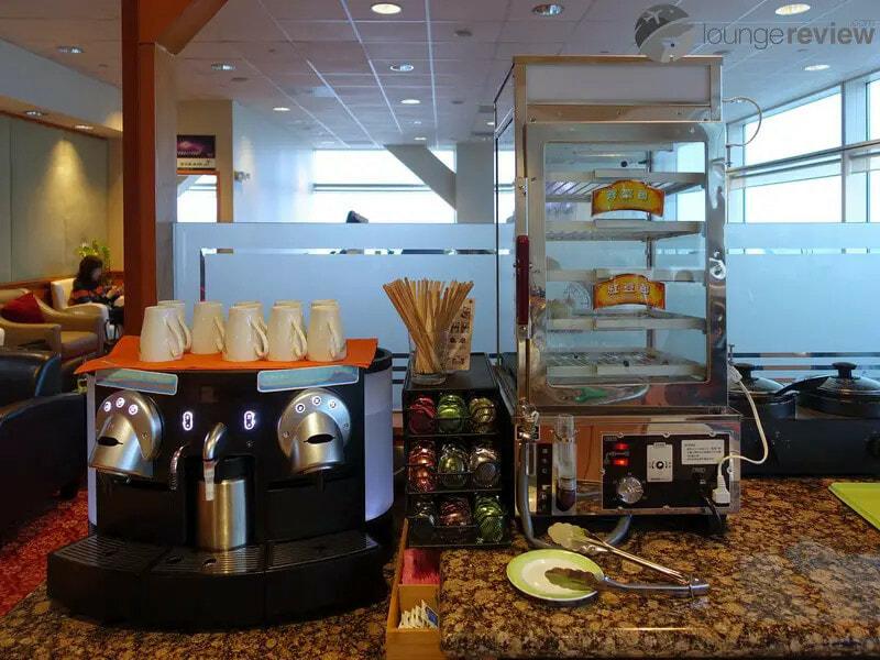 SFO eva air evergreen lounge sfo 05050