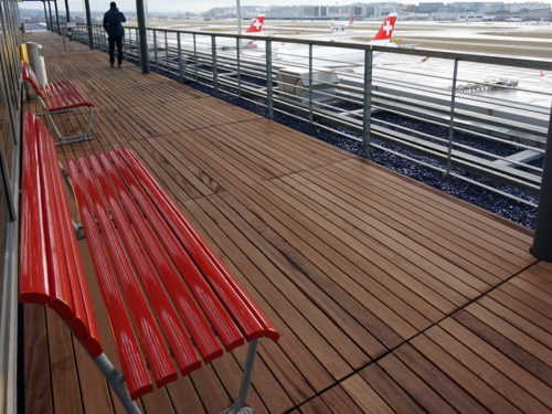 Open air terrace at the SWISS Lounges - Zurich (ZRH) Concourse E | Photo courtesy of rcs at vielfliegertreff.de