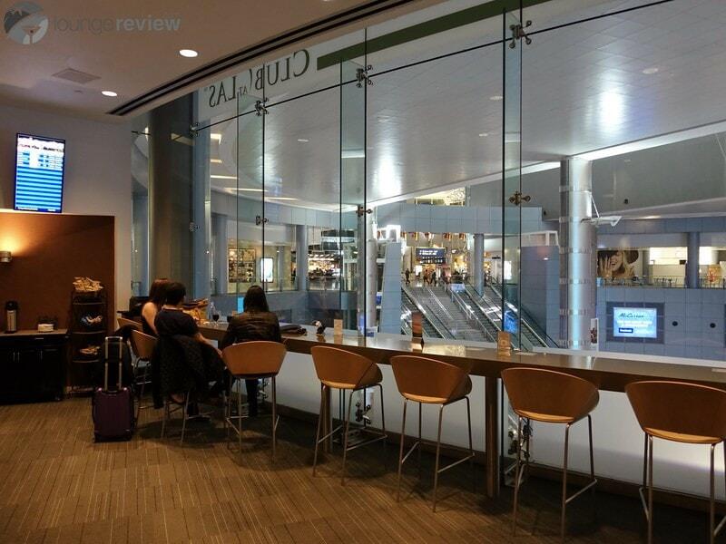 LAS the club at las las terminal 1 08355