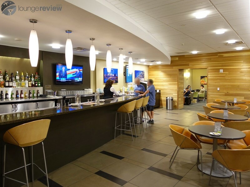 LAS the club at las terminal 3 08264