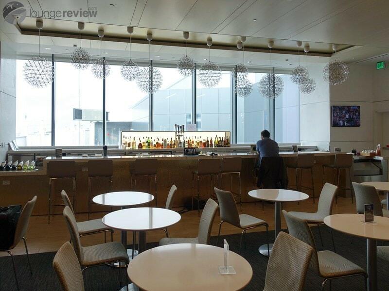 SFO united club sfo terminal 3 concourse e 8992